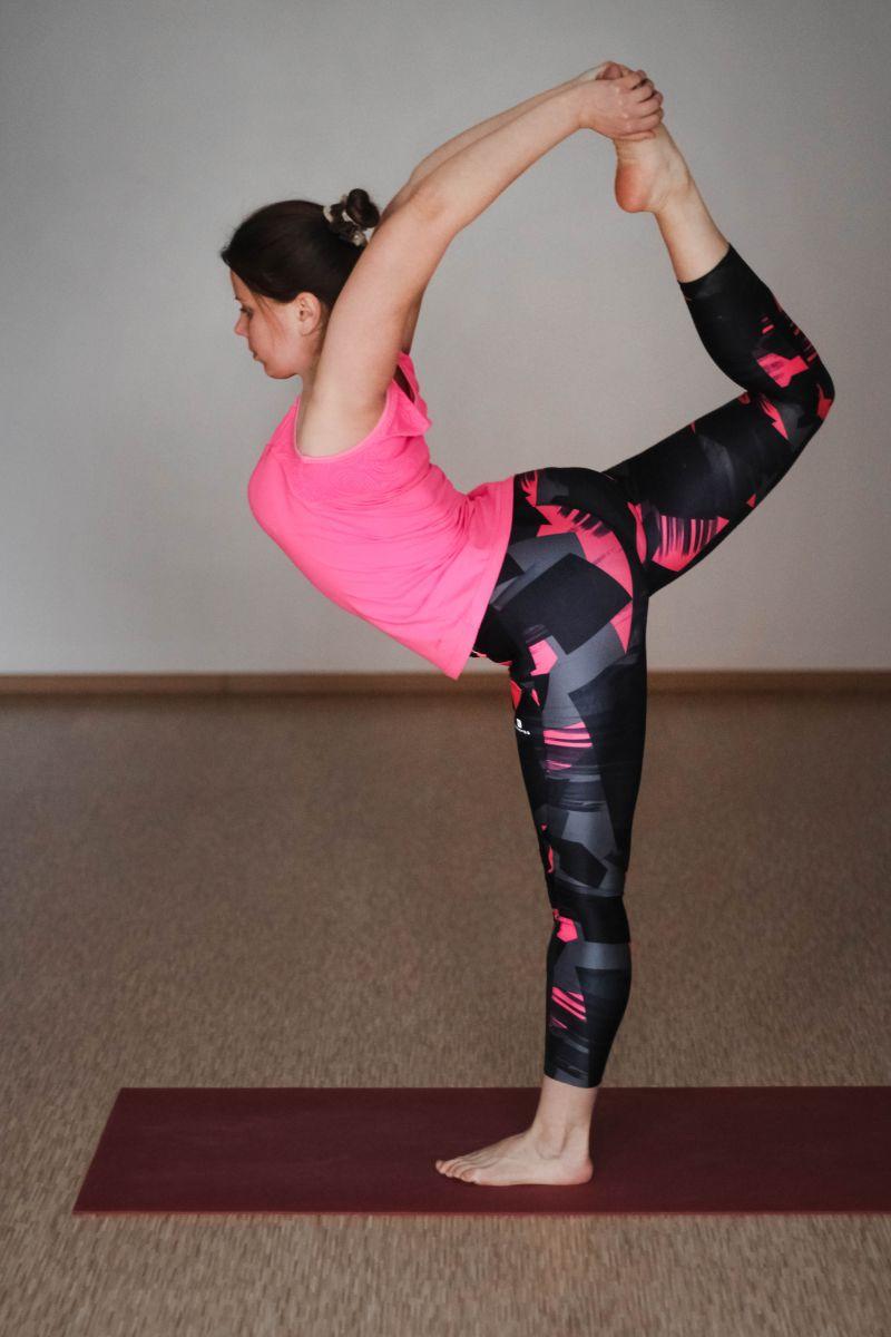 Йога если болит спина